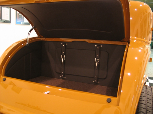 phil becker 39 s 3 window coupe interior. Black Bedroom Furniture Sets. Home Design Ideas